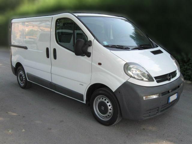 Autoradio ausbauen Opel Vivaro bis 2004 Anleitung