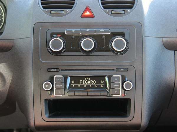 vw-caddy_radio