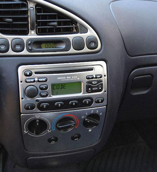 Ford-Puma-Radio