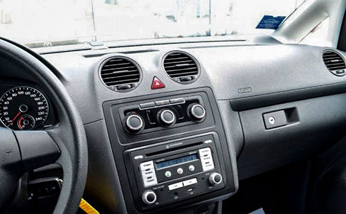 VW-Caddy-Radio-2009