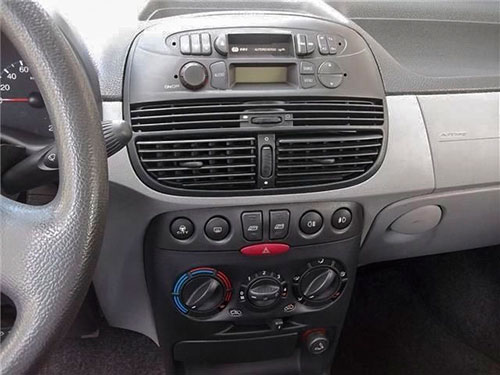 Fiat Punto Radio 2003