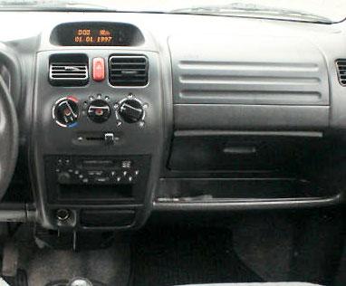 Opel Agila Radio 2002