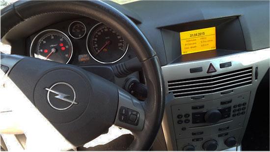 Opel-Astra-H-Radio