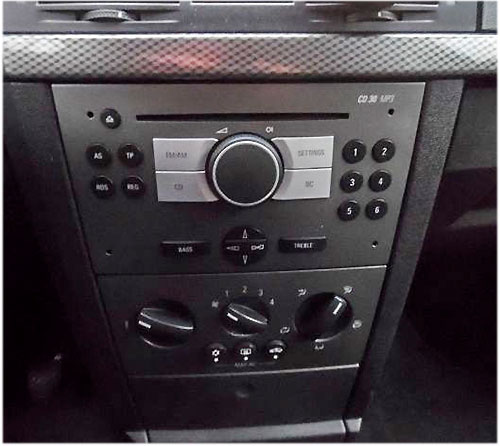 autoradio einbau tipps infos hilfe zur autoradio installation opel meriva lenkradfernbedienung. Black Bedroom Furniture Sets. Home Design Ideas