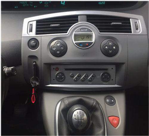 Renault-Scenic-Radio-2007