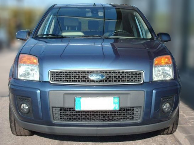 Ford-Fusion-2006