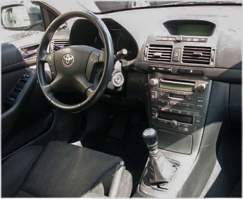 Toyota-Avensis-Autoradio-2006