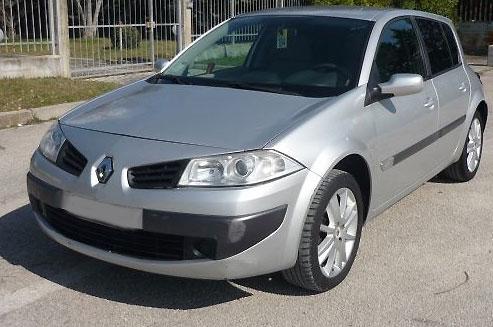 Autoradio Tausch Renault Megane II Einbauanleitung