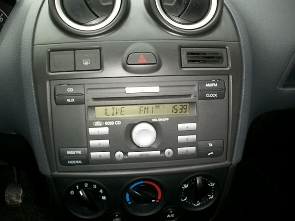 ford-fiesta-radio3
