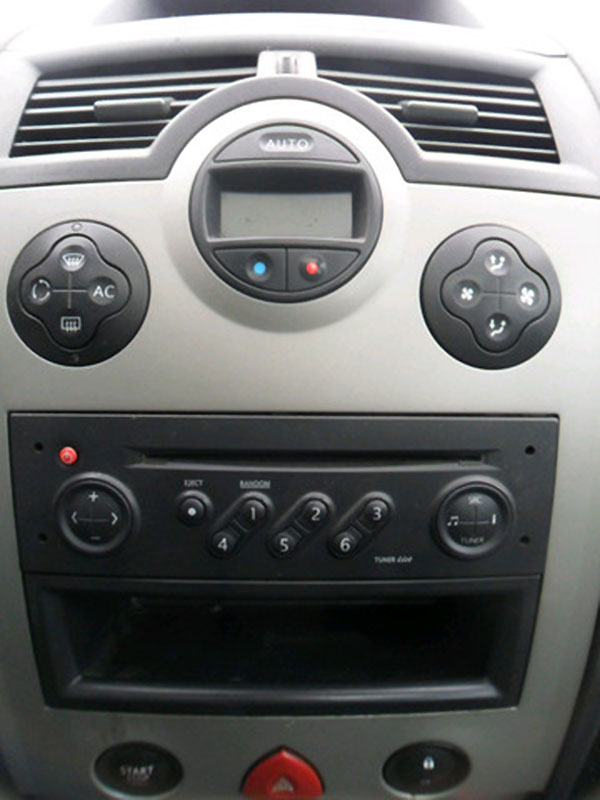 megane-II-radio5