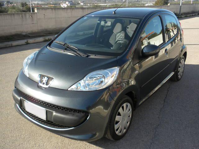 Radiowechsel Peugeot 107 Einbauanleitung