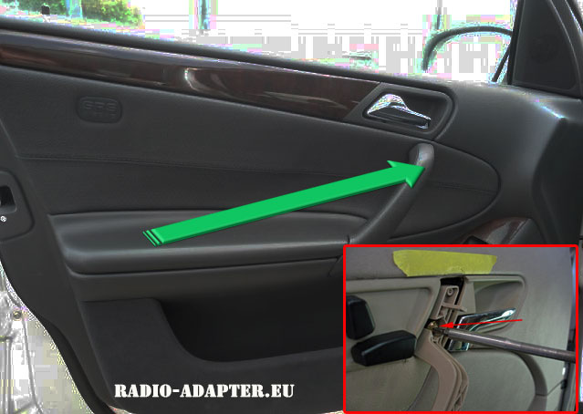 Mercedes-C-Klasse-Türgriff-abschrauben