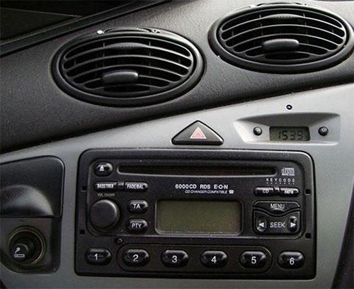 Ford-Focus-6000CD-Radio-2003