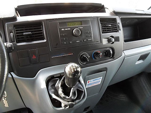 Ford-Transit-Radio-6000CD