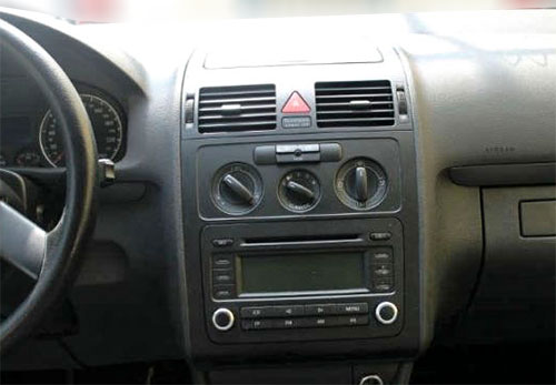 VW-Touran-RCD-300-Radio-2006