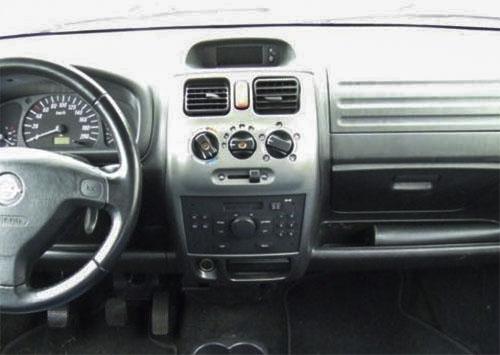 Opel Agila Radio 2005