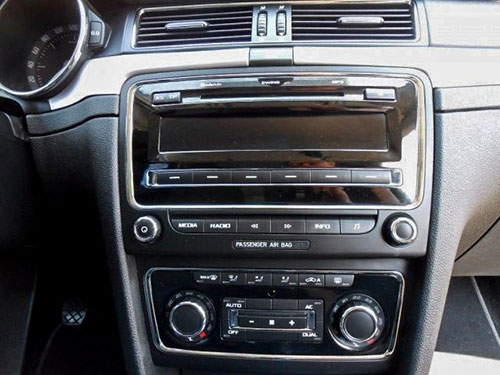 Skoda Superb Radio 2012