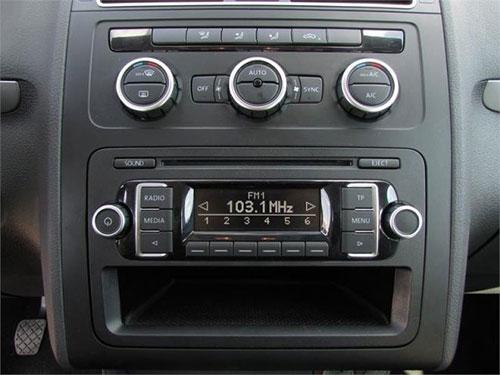VW Touran RCD 210 Radio