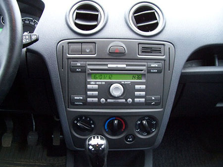 Ford Fusion Radio 2006